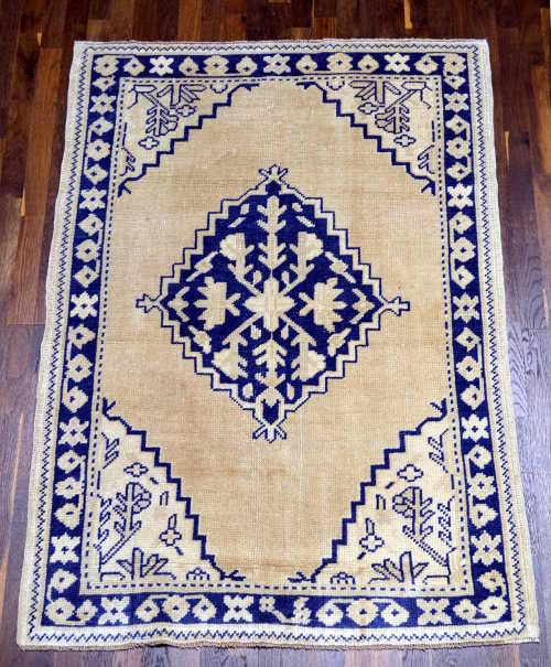 Anatolian hand-knotted rug 4x6