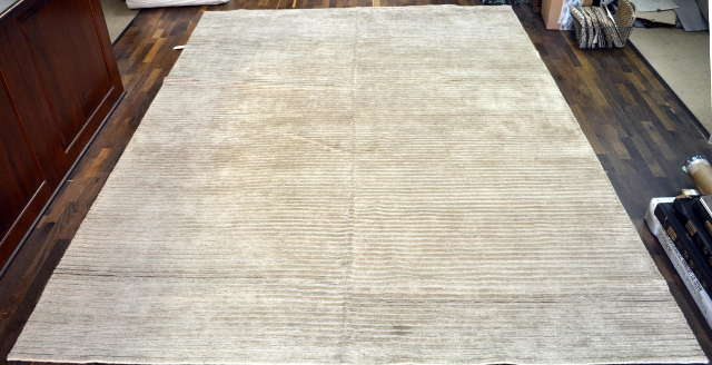 WC DOUBLE LOOP RUG  SIZE 8'8 X 11'11