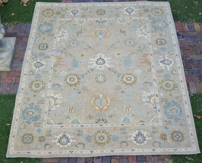 Hand-knotted rug, Oushak tradition