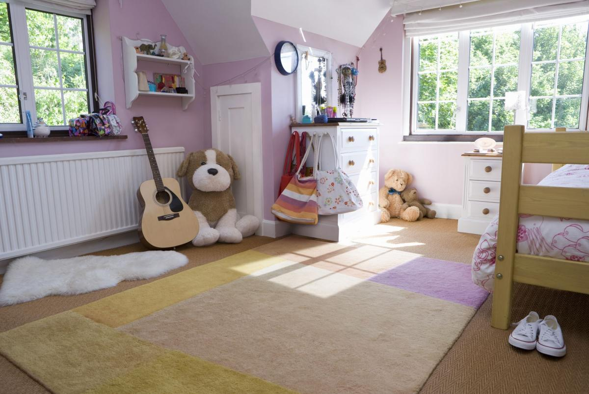 Childrens bedroom with carpet