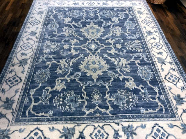 88-BRS-8 Gorgeous rug!!!!! SARA 42482 BRISTOL BRS-8 ICE BLUE/MIDNIGHT BLUE 8 X 10'2